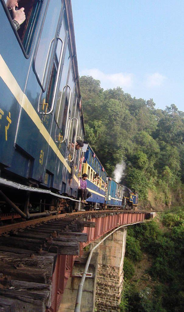 [Video] Nilgiri Mountain Railway in India