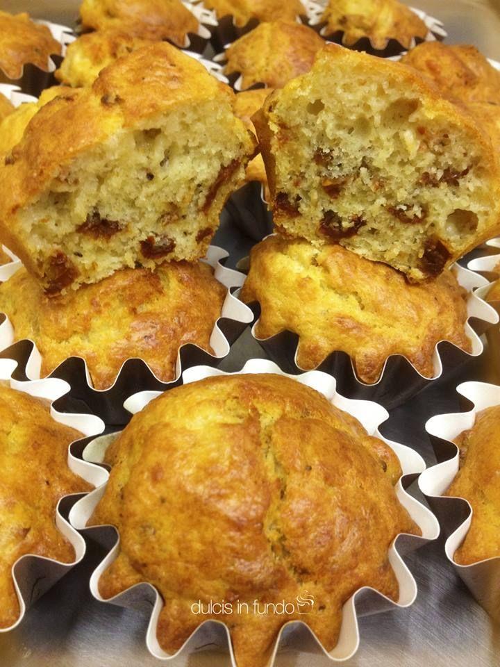 Muffin salati con mozzarella e pomodori secchi by dulcis in fundo