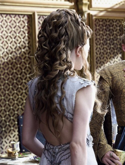 Natalie Dormer as Margaery Tyrell in Game of Thrones (TV Series, 2014).