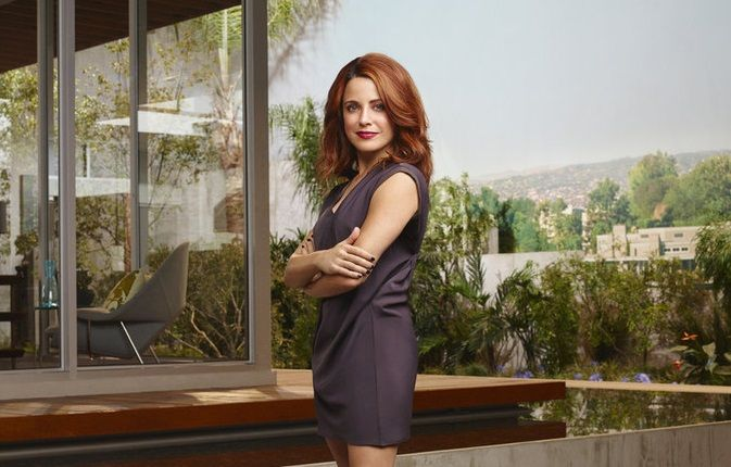 Exclusive Interview: Alanna Ubach Dishes On Girlfriends' Guide to Divorce Season 2 | Gossip & Gab