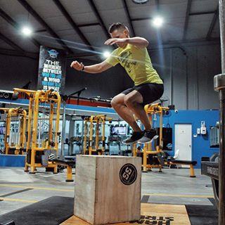don't skip leg day bodyweight workout box jump male nz