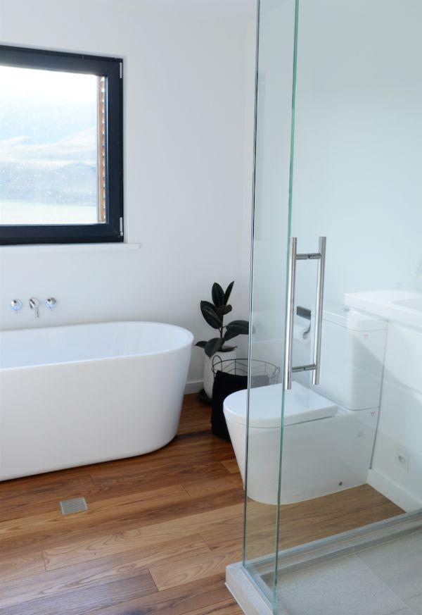 Climate house, passive, eco, bathroom, wooden floor, indoor plants, build me