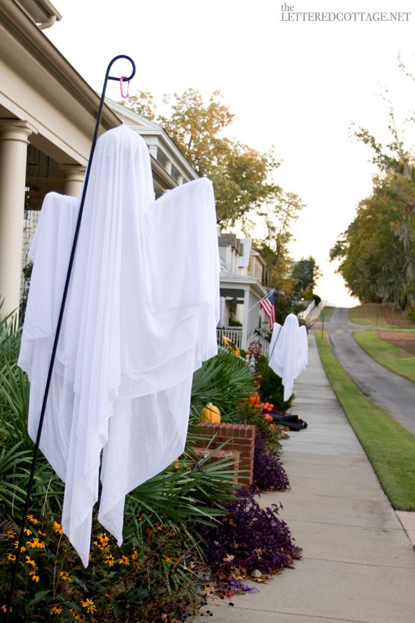 I usually don't decorate for Halloween, but I love this ghost!  Front Porch Decorating | The Lettered Cottage