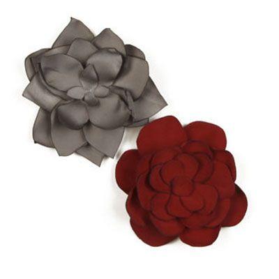 How to fabric flowers: Hair Barrettes, Hair Flowers, Diy Flowers, Fabric Flowers, Millinery Flowers, Grey Flowers, Scrap Fabrics, Fabrics Flowers, Shape Fabrics