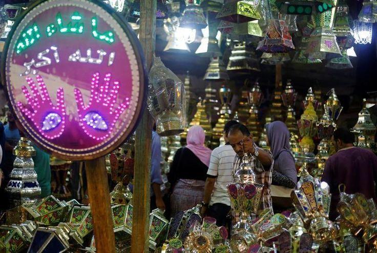 La majorité des pays musulmans ont décidé de commencer le jeûne du ramadan ce lundi 6 juin 2016. Une unité factice, estime Algérie-Focus qui dénonce le monopole saoudien sur l'annonce des fêtes religieuses musulmanes.
