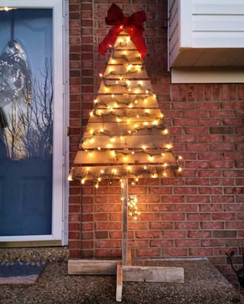 Our 15 Favorite Pallet Christmas Trees & Decorations In 2015 Pallet Home Accessories
