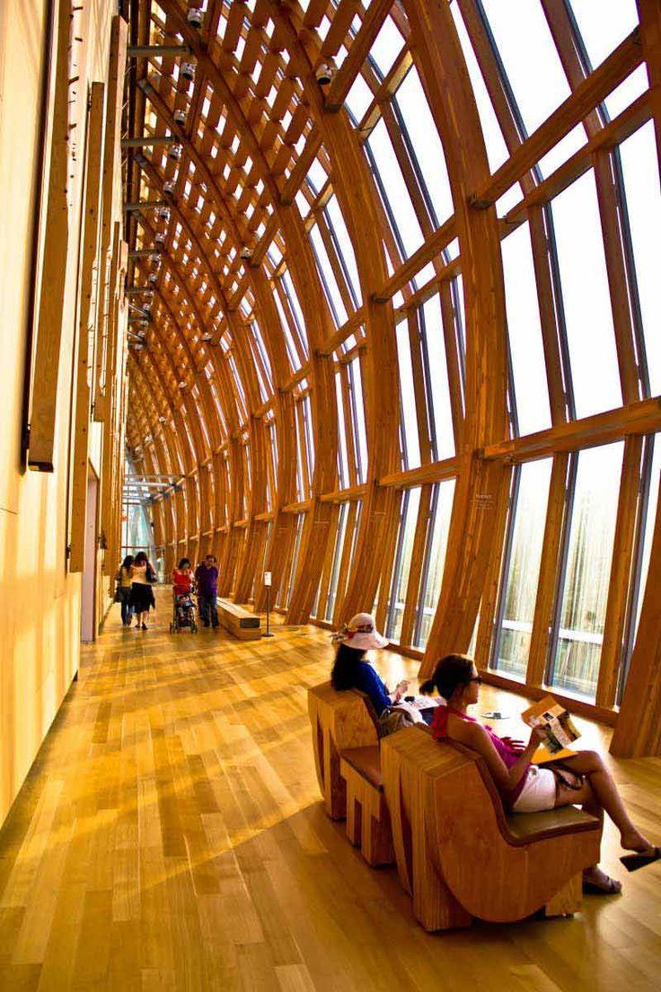 トロント出身のフランク・ゲーリーが設計した、オンタリオ美術館。カナダ最大の美術館。の休憩ルーム?トロント 旅行・観光のおすすめスポット!