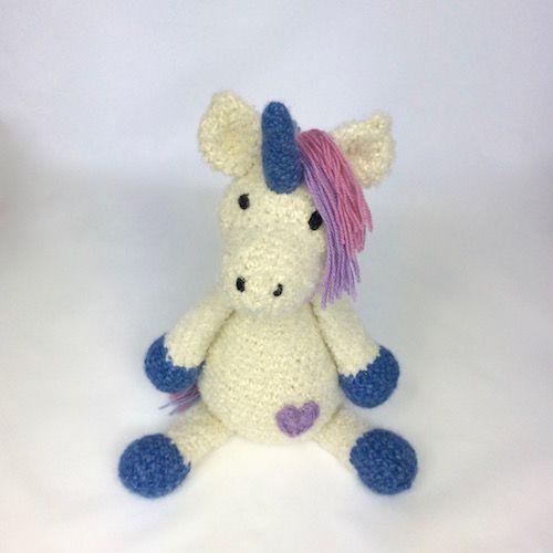 unicorn - soft toy made from alpaca yarn - look at https://momonomo.com/produkt/jednorozec/