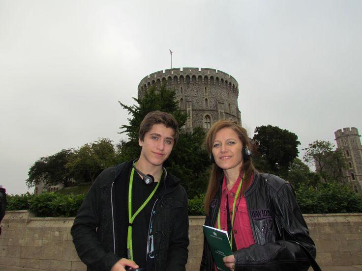 Castillo de Windsor, UK. La torre del homenaje, llamada Torre Redonda, se construyó sobre un edificio del siglo XII que fue remodelado  a comienzos del siglo XIX para hacerlo nueve metros más alto y darle así un aspecto y silueta más imponentes. El interior de esta Torre Redonda fue remodelado entre 1991 y 1993 para conseguir mayor espacio para los Archivos Reales.