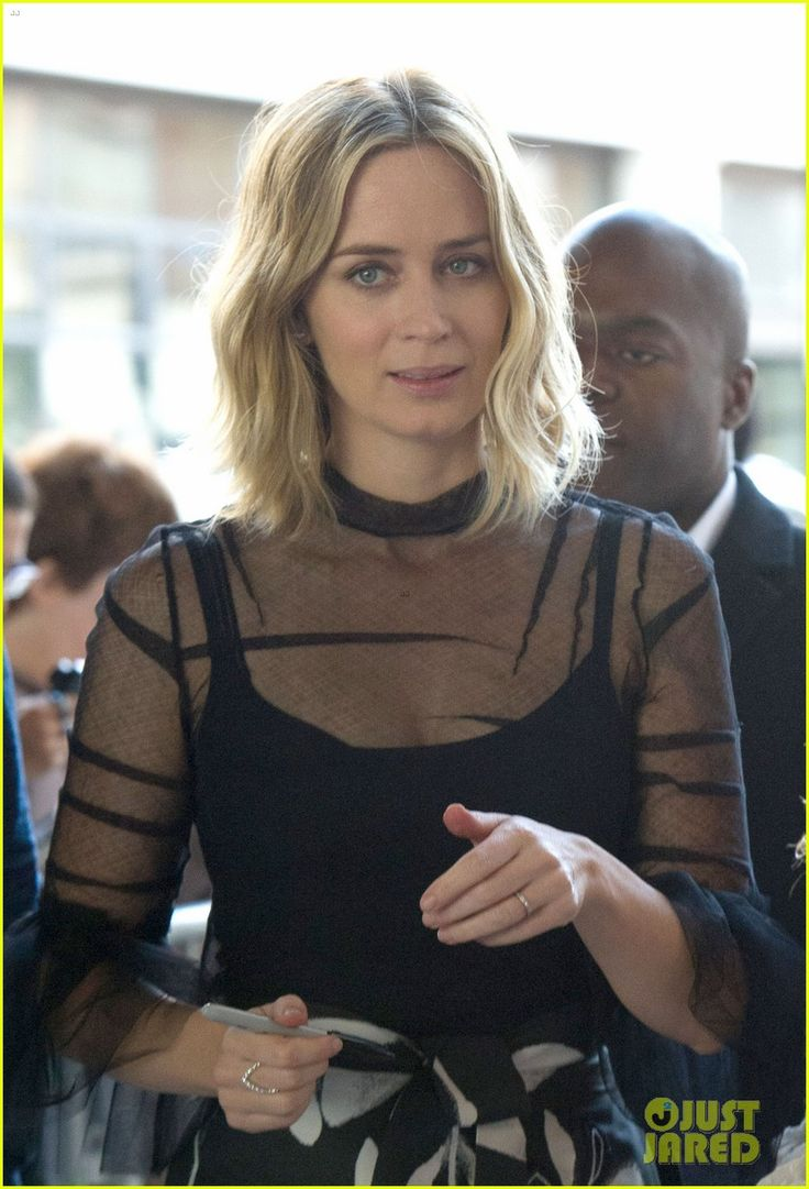Emily Blunt Discusses 'The Girl on the Train' & Pressures of Motherhood…