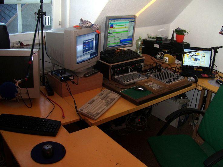 Selbstfahrerstudio-modern - Internet radio - Wikipedia