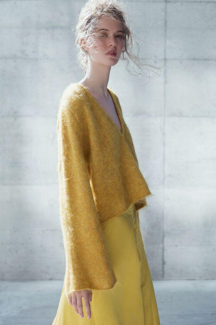 Leia Mohair Sweater Mustard – Coltrane
