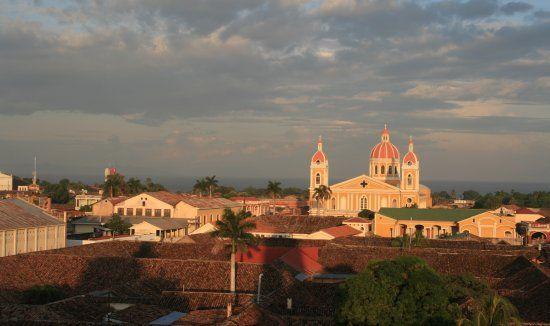 Nicaragua, turismo sostenible, Granada, Derechos laborales, Prostitución infantil, políticas neoliberales, parte social,