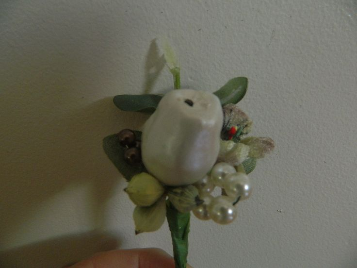 Australiana themed button holes. $12.00 each. Wedding flower package $300.00 contact today. #weddingflowers, #brisbanewedding, #themewedding, #artificialweddingflowers