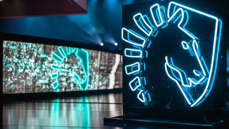Team Liquid sells controlling interest to Golden State Warriors co-owner http://www.espn.com/esports/story/_/id/17651274/team-liquid-sells-controlling-interest-golden-state-warriors-co-owner #games #LeagueOfLegends #esports #lol #riot #Worlds #gaming