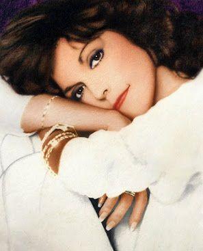 Karen Carpenter...RIP....so beautiful!