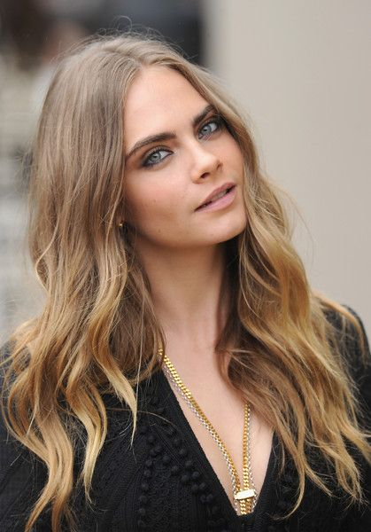 Cara Delevingne - Burberry Womenswear Spring/Summer 2016 - Arrivals