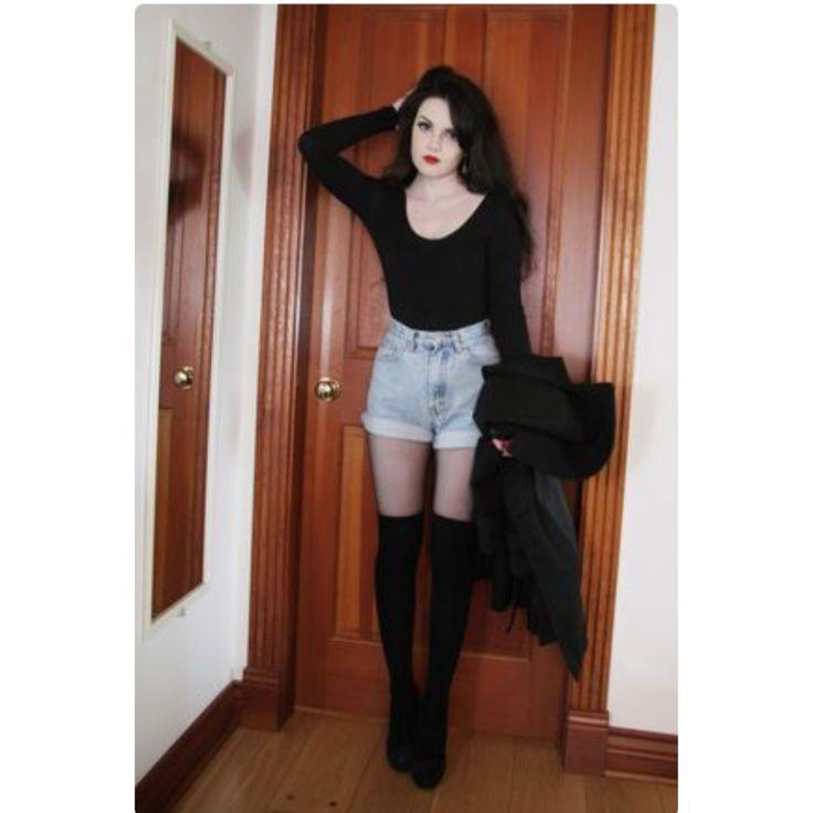 short shorts outfit