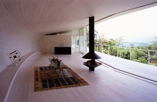 薪ストーブのある部屋