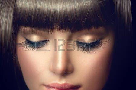 брюнетка: Красота девушки портрет. Профессиональный макияж, длинные ресницы