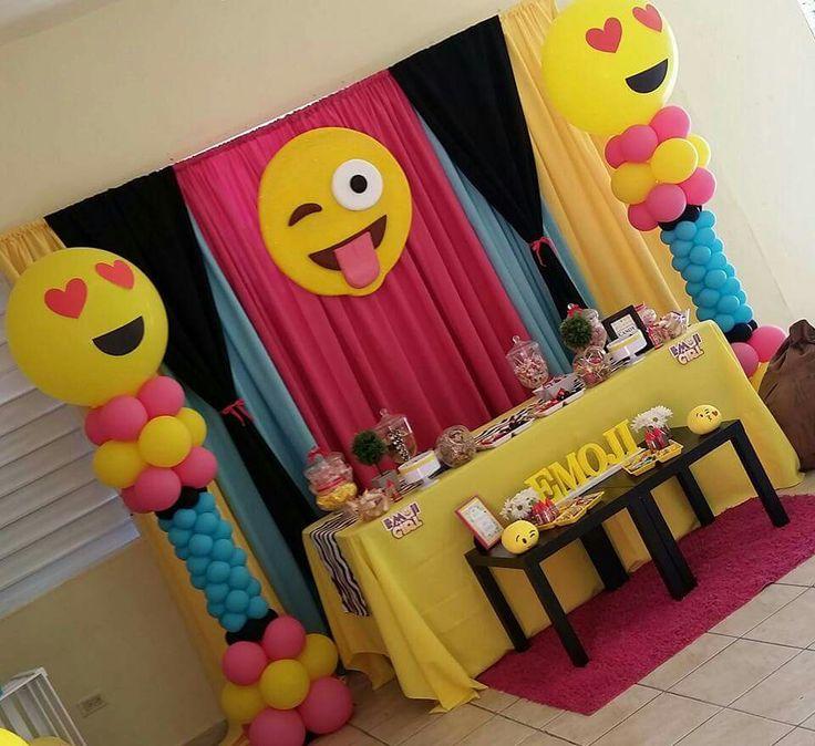 Aniela's emoji party More