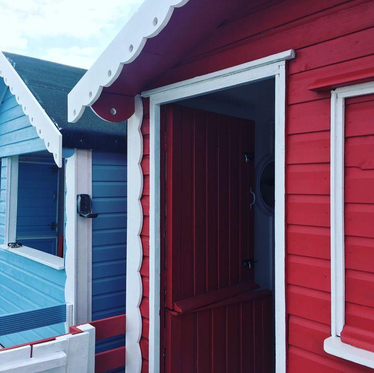 Best 20 beach hut decor ideas on pinterest beach style for Beach hut decor