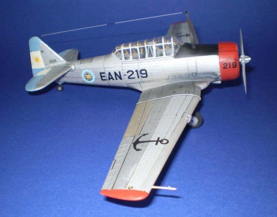 1/48 Revell T-6 Texan by Pablo Magdalena