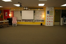 I love the way this fellow Minnesota teacher organizes her classroom!