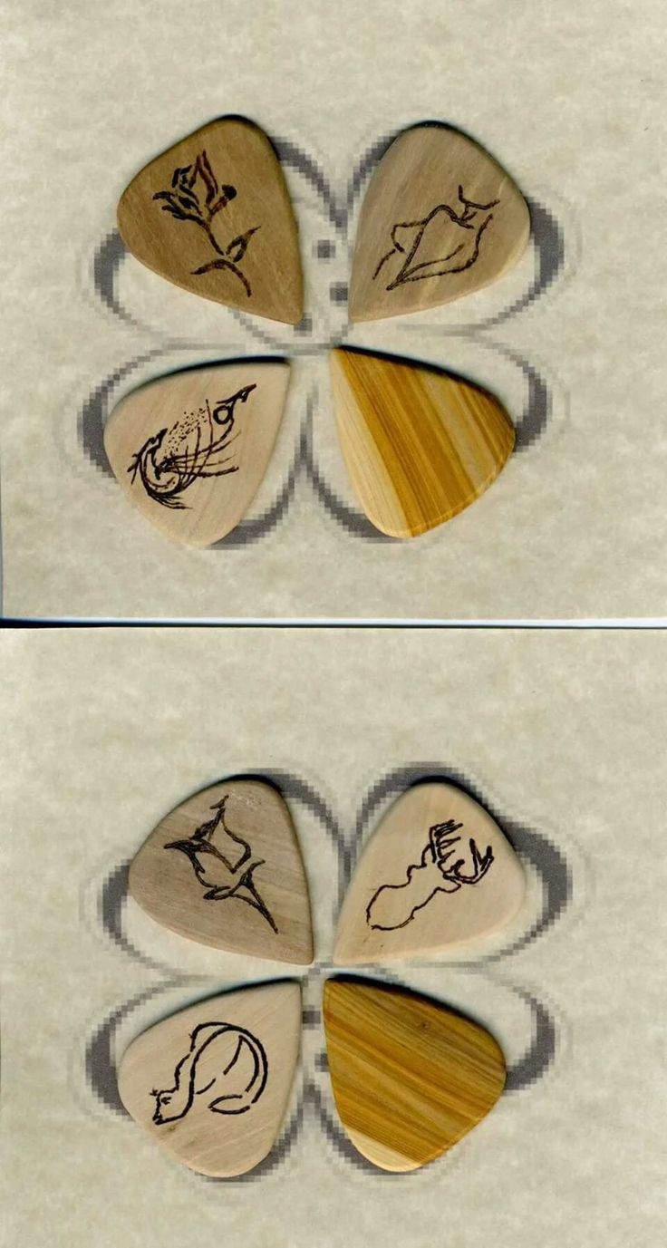 Home Made wild olive Wood Guitar Picks. Plettri in Olivastro fatti a Mano #InstaTags4Likes #guitarpick #pick #pop #inciso #hardshirt #plettro #cool #custom #bass #key #musician #musician #musicista #music #sign #wood #hardrock #plettropersonalizzato #plettro #plettri #personalizzati #pirografato #fender #plectrum