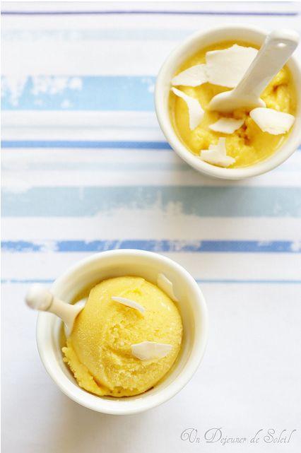 Glace coco-mangue (ou fruit de la passion), sans oeufs
