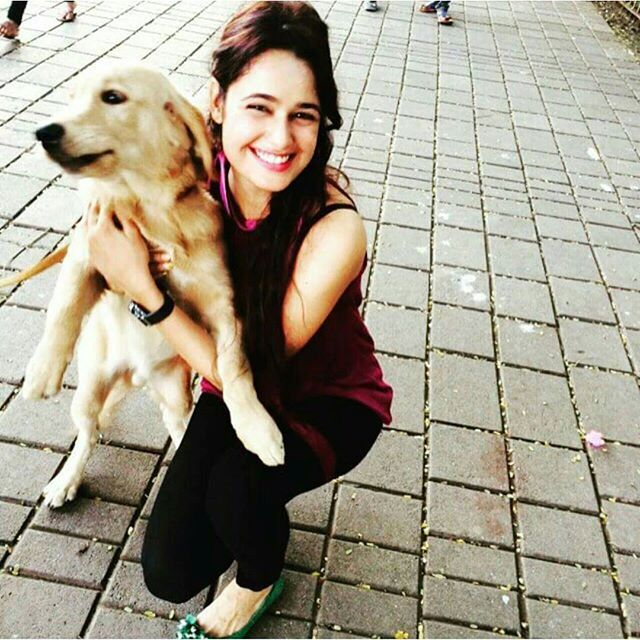 Yuvika Chaudhary with her pet.Love pets allways they are most loyal ones. . @punjabimedia . #punjabimedia #pollywood #gururandhawa #instapollywood #punjab #punjabi #india #desi #jatt #jatti #amritsar #ludhiana #jalandhar #chandigarh #punjabi #punjabiswag #punjabigirl#punjabiactress#yuvikachaudhary by punjabimedia