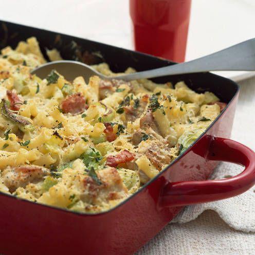 Chicken, bacon and leek pasta bake