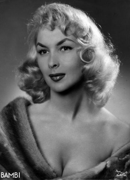 actresses and models 37 1930s 1940s 1950s 1960s list vintage drag pinterest models. Black Bedroom Furniture Sets. Home Design Ideas