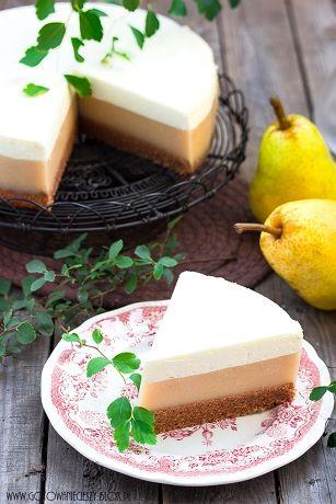 Piątkiem i domowym ciastem weekend się zaczyna :) A na pierwszy wrześniowy (i oby słoneczny) weekend mam dla Was przepis na przepyszne ciasto. Wilgotny, mocno