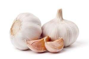 Las hemorroides son una condición que se caracteriza por ser muy dolorosa y se basa en la inflamación de los vasos sanguíneos que rodean al ano, pero pueden encontrar alivio en un medicamento natural muy conocido, el ajo. SIGUE LEYENDO EN: http://alimentosparacurar.com/n/6923/ajo-para-tratar-las-hemorroides-naturalmente.html