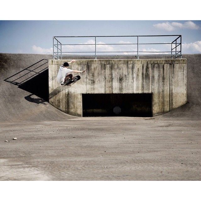 Valeri Rosomako - fs wallride somewhere in Austria - this photo never made it to print, so here it is