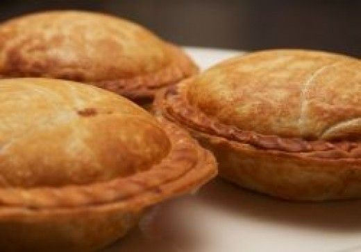 Recipes for mini pies aren't difficult to follow, and produce wonderfully impressive results. There's something about things that come in miniature that just makes them seem more precious, and mini pies definitely have that effect. From indulgent...
