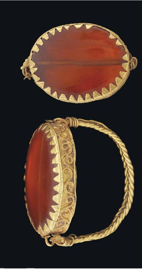 A GREEK GOLD AND CARNELIAN RING HELLENISTIC PERIOD, CIRCA 4TH-3RD CENTURY B.C.