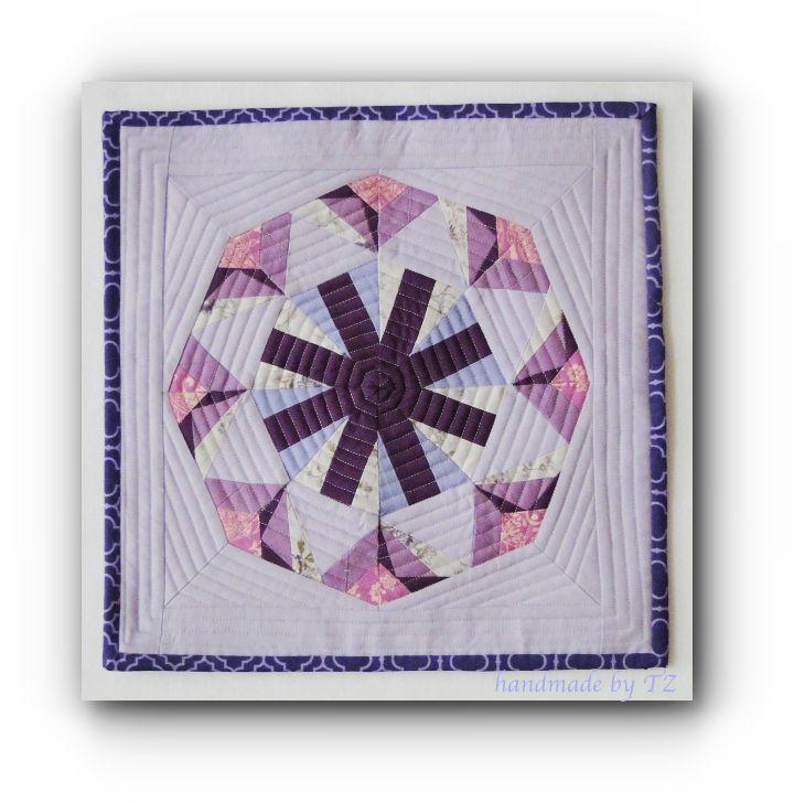 Śnieżynki w odcieniach fioletu