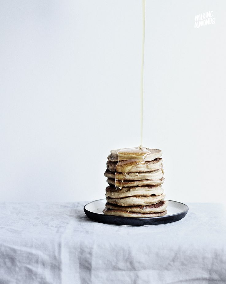 Vanilla Yogurt Pancakes | milkingAlmonds