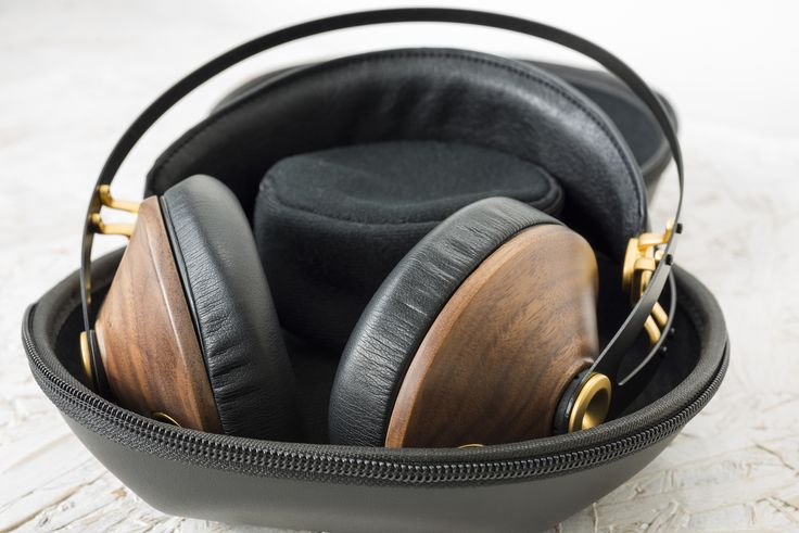 Meze 99 Classics - Style and substance on the go.  #hifi #edinburgh #headphones #meze #meze99classics