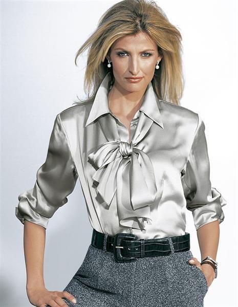 Атласные блузки почтой и пиджаки