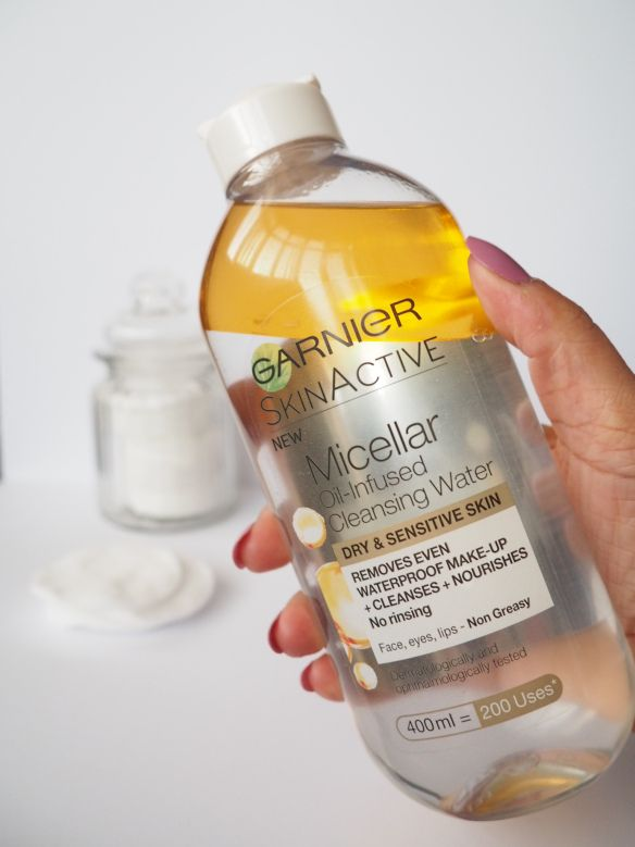 Garnier Oil Infused Micellar Cleansing Water holy grail product to take off my makeup... love it