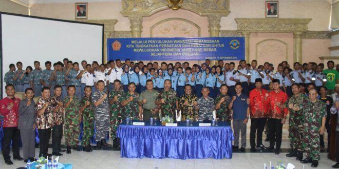 Lantamal V Surabaya Berikan Wawasan Kebangsaan kepada Nelayan dan Pelajar