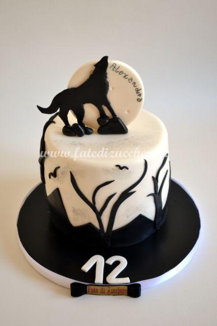 Torta Luna Piena: con lupo e design in 2D interamente modellati a mano e…