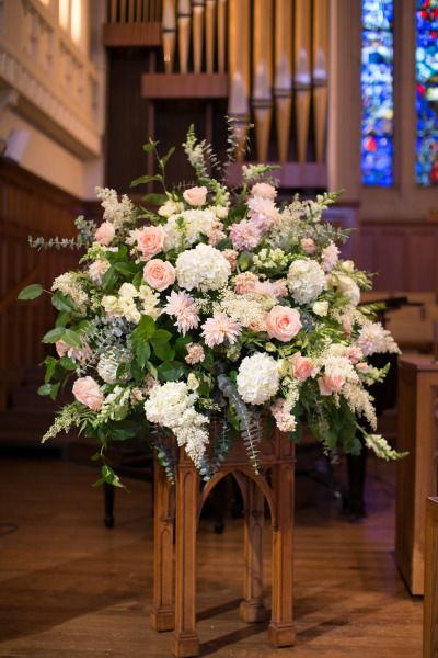 Wonderful wedding flowers: http://www.stylemepretty.com/little-black-book-blog/2015/02/17/elegant-summer-st-louis-wedding/ | Photography: Jon Koch - http://www.kochphotography.net/