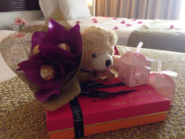 sensa bear with chocolate bouquet