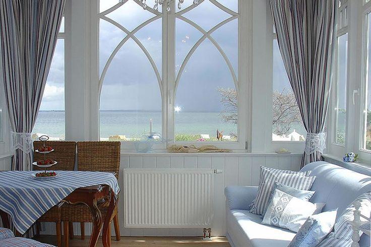 Wintergarten mit traumhaftem Blick über die gesamte Lübecker Bucht. Villa Hansa, Timmendorfer Strand.