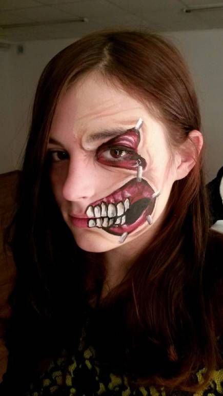 Adult face painting zombie