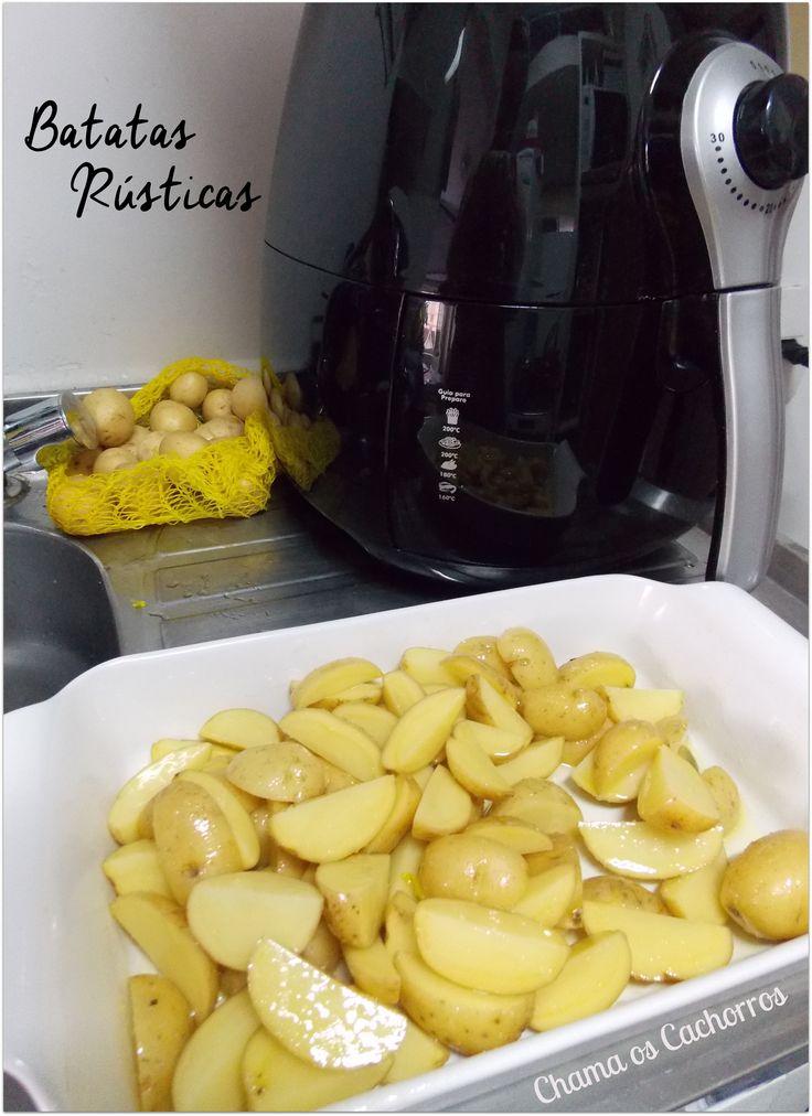 Batatas Rústicas feitas na Airfry  http://www.chamaoscachorros.com.br/batata-rustica-na-airfry/